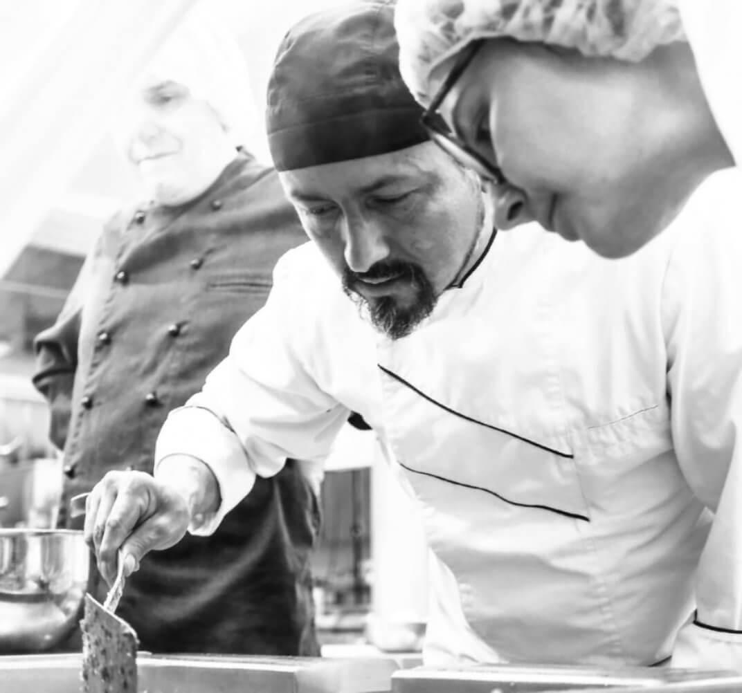 Chefkoch Maurizio in der Küche