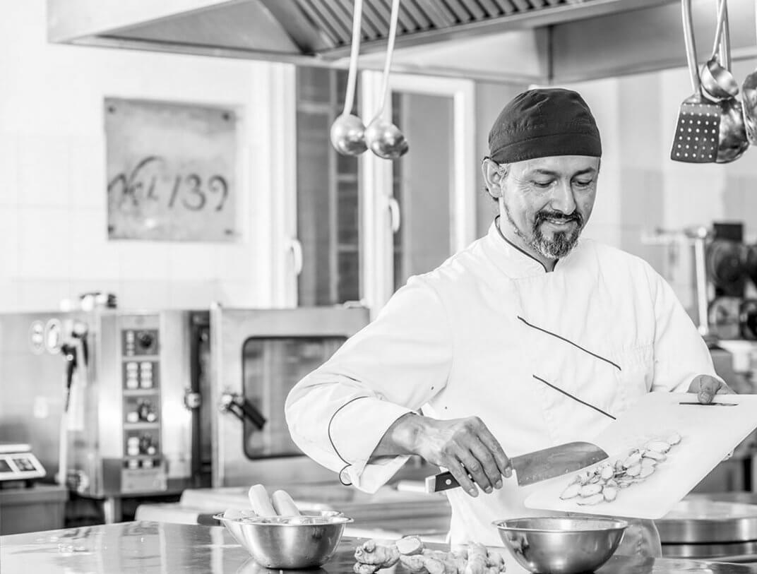 Küchenchef Maurizio beim Kochen